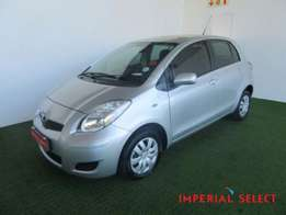 2011 Toyota YARIS T3 + A T 5DR