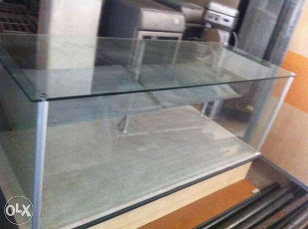 Glass display counter 1.7 wide Lenasia-Suid - image 1