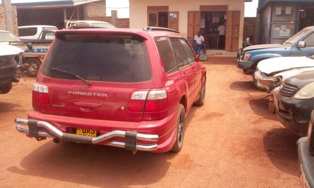 Subaru In good condition, open roof, new tyres Kampala - image 2