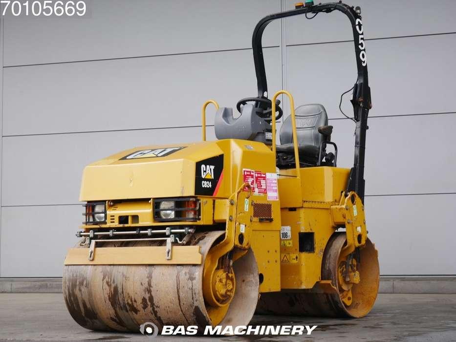 Caterpillar CB24 Nice Clean Compactor - 2012