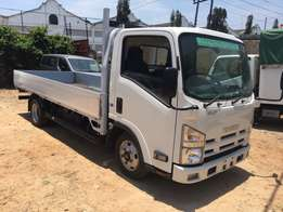 Isuzu Elf Long chassis 2009 Double rear tyre