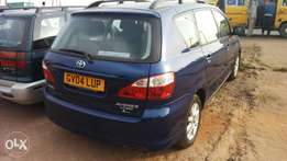 Tincan cleared 2004 avensis verso