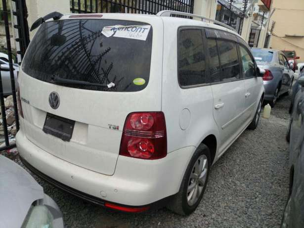 Volkswagen Touran KCM number 2010 model loaded with alloy rims, g Mombasa Island - image 2
