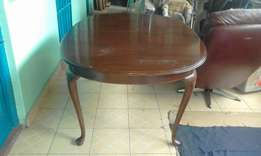 New Victoria antique six seater dinning table