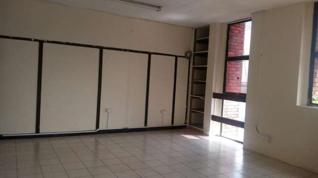 550 square feet of space to let in twiga towers Nairobi CBD - image 4