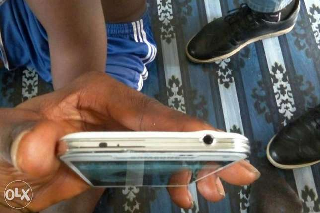 Very neat clean Samsung galaxy s5 for sale Port Harcourt - image 3