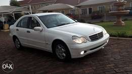 2003 Mercedes C200 Kompressor LOW MILEAGE!!