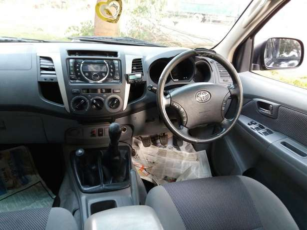 Muliti-purpose 4wd! Toyota Hilux D/Cab Manual Diesel 4wd Very Clean Karen - image 5