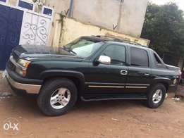 good Chevrolet Avalanche jeep good engine and gear