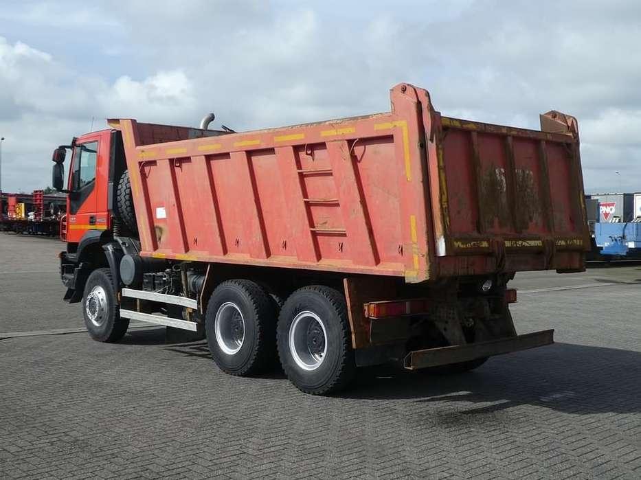 Iveco AD380T42 TRAKKER 6x6 full steel 15m3 - 2013 - image 2
