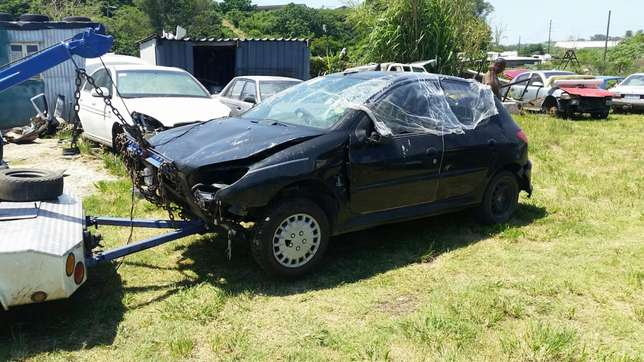 Peugeot 206 1.4 2004 model stripping for spares Phoenix - image 7
