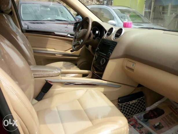 Foreign used 2010 Mercedes Ml350 4matic. Direct tokunbo Apapa - image 4