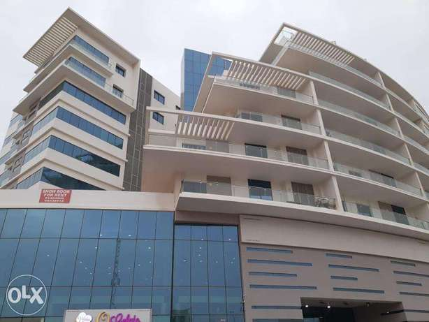 2 BR Modern Flat with Gym Membership and Rooftop Pool in Khuwair