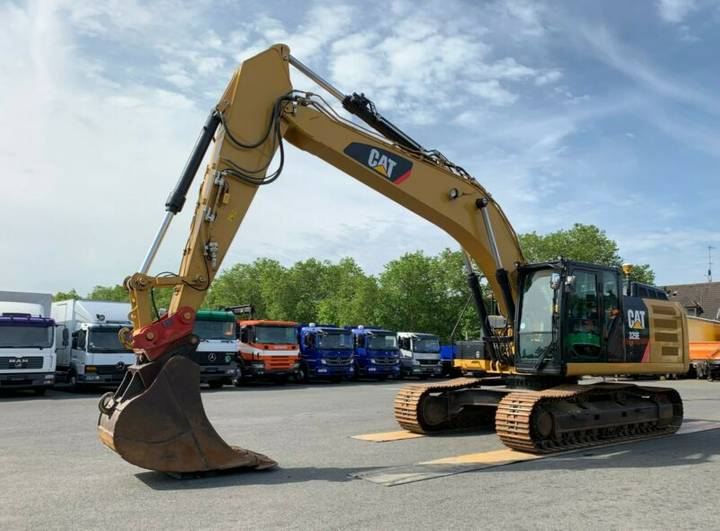 Caterpillar 329ELN / Trimble CB460 / Motor NEU - 2013