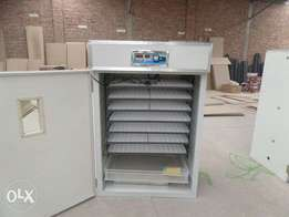 1056 chicken eggs automatic incubator at 85k