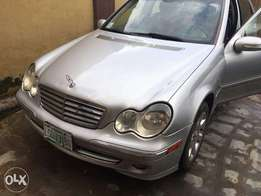 clean Nigerian used 2004 Mercedes benz c 240 elegance