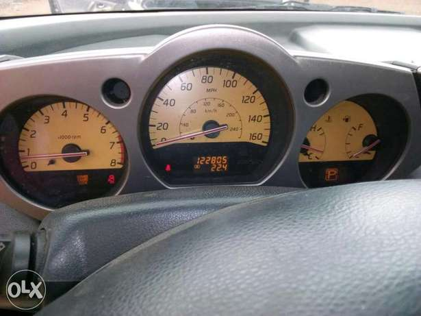 ADORABLE MOTORS: An extremely clean & sound 2004 Nissan Murano 4 sale Lagos Mainland - image 7