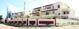 TO LET- Modern 5 bedroom fully furnished HOUSE with swimming pool
