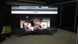 50 inches Smart and digitalised Series 6 Samsung flat screen