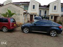 Vacant 4bdrm own compound mansionette to let with an SQ in gated court