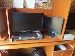Modern Monitors for sale at give away Prices.