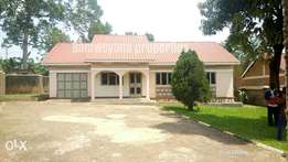 Classy 3 bedroom standalone in namugongo at 1m