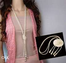 beautiful exquisite pearl maxi necklace
