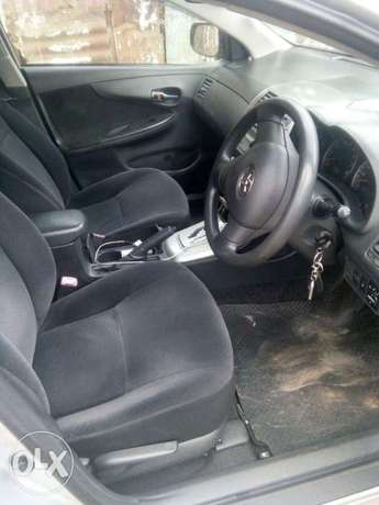 Quick sale on this well maintained Toyota Fielder 2009 make KCF 1500cc Nairobi CBD - image 3