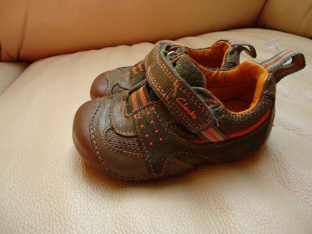 Дитячі туфлі( капчики)
