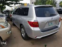 Toyota Highlander ( Super Sharp)