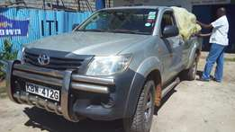 Toyota Hilux local diesel 4WD