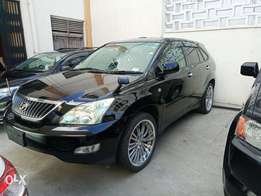 Toyota harrier with double sunroof.