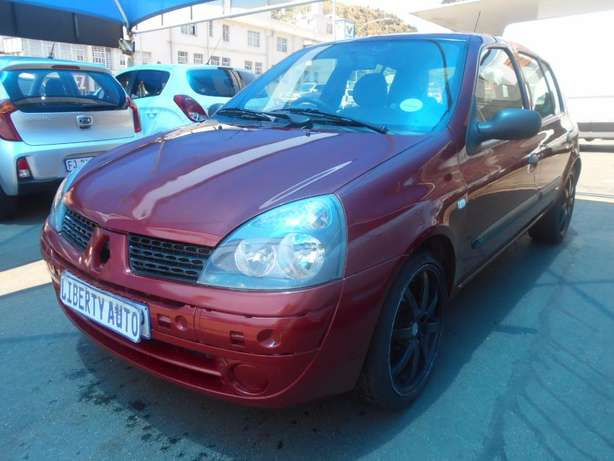 2006 Renault Clio 1.2 Expression Full Service History, Manual Gear 186 Johannesburg CBD - image 5
