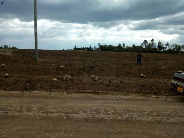 11 acters land Meru Town - image 3