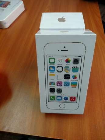 iPhones 5s 64GB City Square - image 1