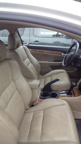 Clean leather seat tokunbo EOD 2004 Lagos Mainland - image 4