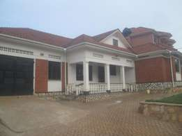 Residential 4 bedroom stand alone in Naalya-kyaliwajjala at 1.6m