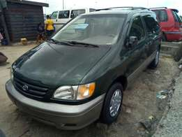 Toyota sienna 2001 up for grabs