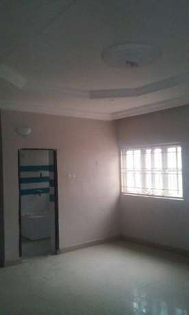 Prestigious Executive Service 3bedroom flat in a nice area in Jabi Jabi - image 3
