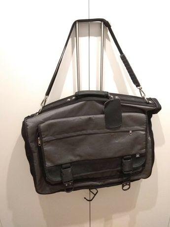 fa3a460bbabbb Archiwalne: Pokrowiec walizka torba na garnitur Samsonite Orzysz ...