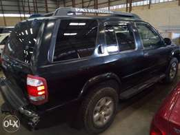 Neatly Used Nissan Pathfinder 2002