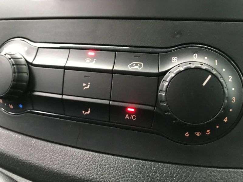 Mercedes-Benz VITO KASTEN 114 CDI LANG KLIMA, AHK, CHROM - 2017 - image 10