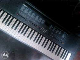 Piano I need money urgently