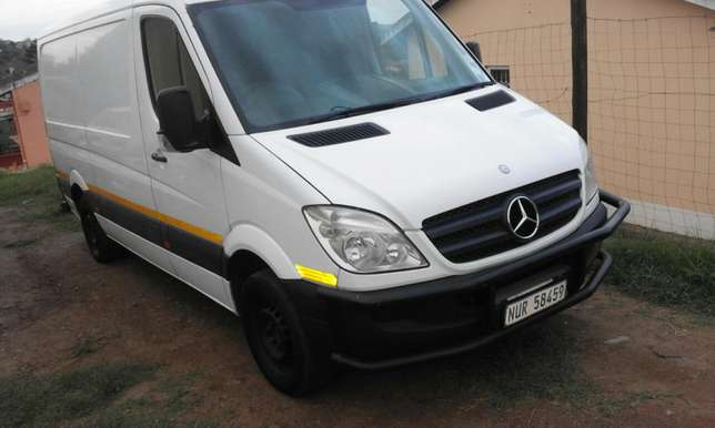 Mercedes Panel Bus Durban Central - image 2