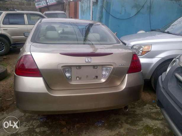 Sparkling and xcellent tokunbo Honda Accord gold 2007 Apapa - image 1