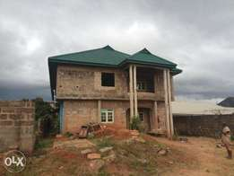 Uncompleted building of 4 flat of three bedrooms Benin city sapele