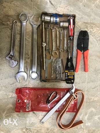 Hand tools,shoe stand and bathroom showers