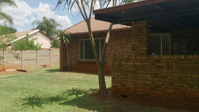 Spacious 3 Bedrooms for sale in Orchards The Orchards - image 3