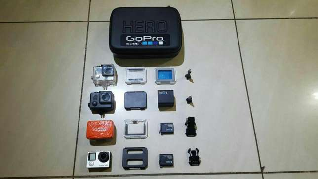 GoPro Hero 4 + Loads of Accessories Lenasia - image 2