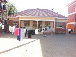 2bedrooms, 2baths/toilets at 500000/=per month